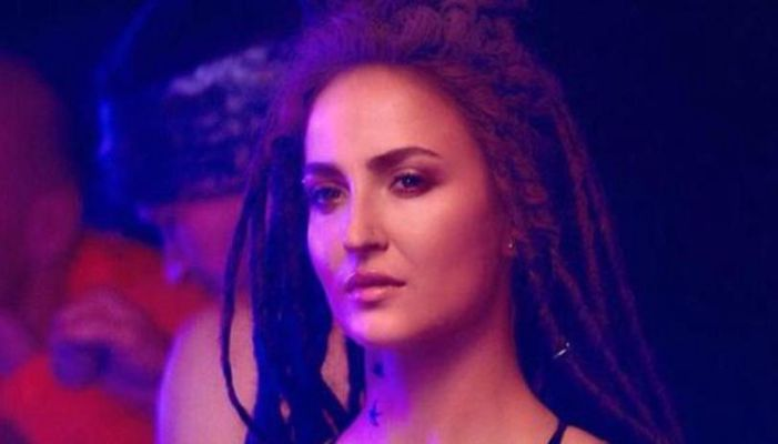 Elli Avrram Opens Up About Her Character In Malang Says She Wanted This Film Badly Republic Tv English Dailyhunt Lite