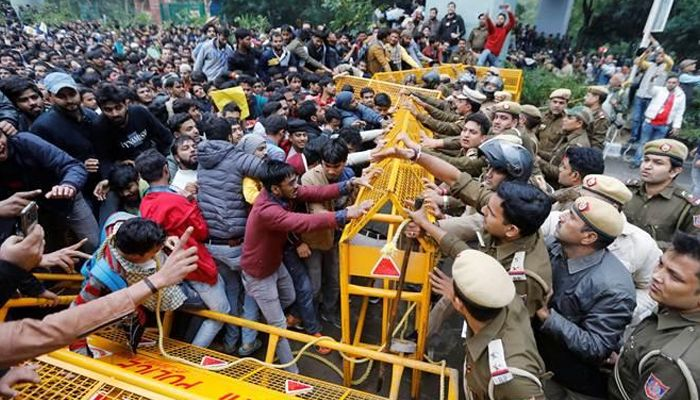 Plea moved in HC against police action on Jamia students ...