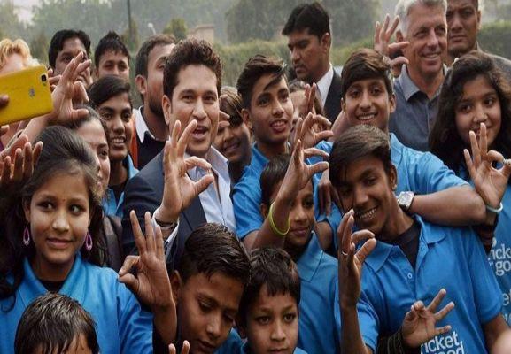 COVID-19: Sachin Tendulkar provides financial aid to 4000 underprivileged  children - Newsroom Post | DailyHunt