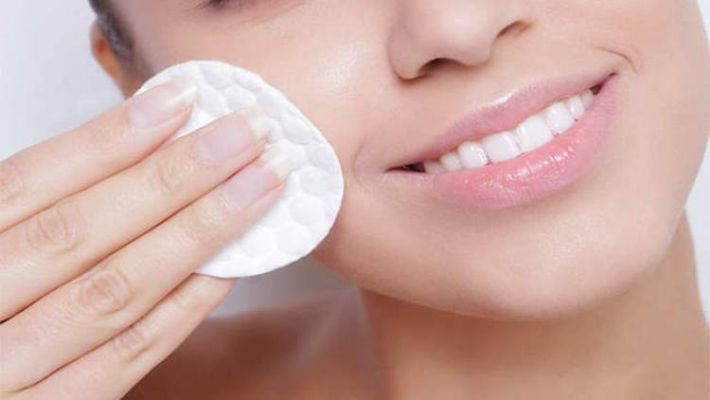 Make makeup remover in easy ways at home - The Indian Print | DailyHunt