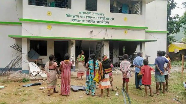 Maoists blow up 12 buildings in Jharkhand - Udayavani English ...