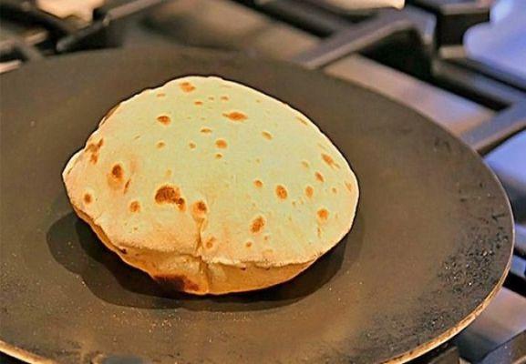 शनिवार के दिन एक रोटी बदल देगी आपकी किस्मत, अपनाएं ये आसान उपाय