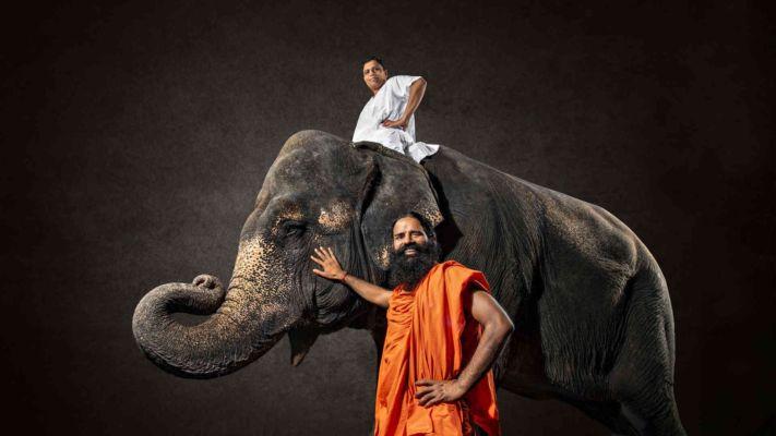 બાબા રામદેવે રૂચિ સોયા માટે હાથી પર ચઢીને કરાવ્યું ફોટોશૂટ