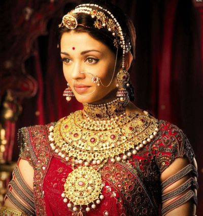 Jodha Jewelry Was Made Of 200kg Gold Not A Single Jewel Was Fake News Crab Dailyhunt A rajput princesss who's engagement to a rajput prince gets canceled when her father chooses to make peace with a. jodha jewelry was made of 200kg gold