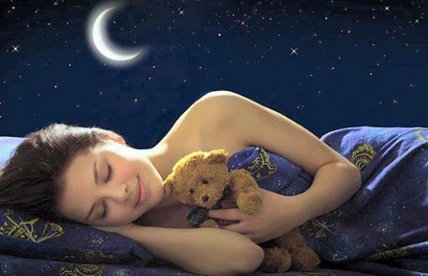 विवाह और प्रेम संबंधों से संबंधित संकेत देते हैं ये 10 सपने